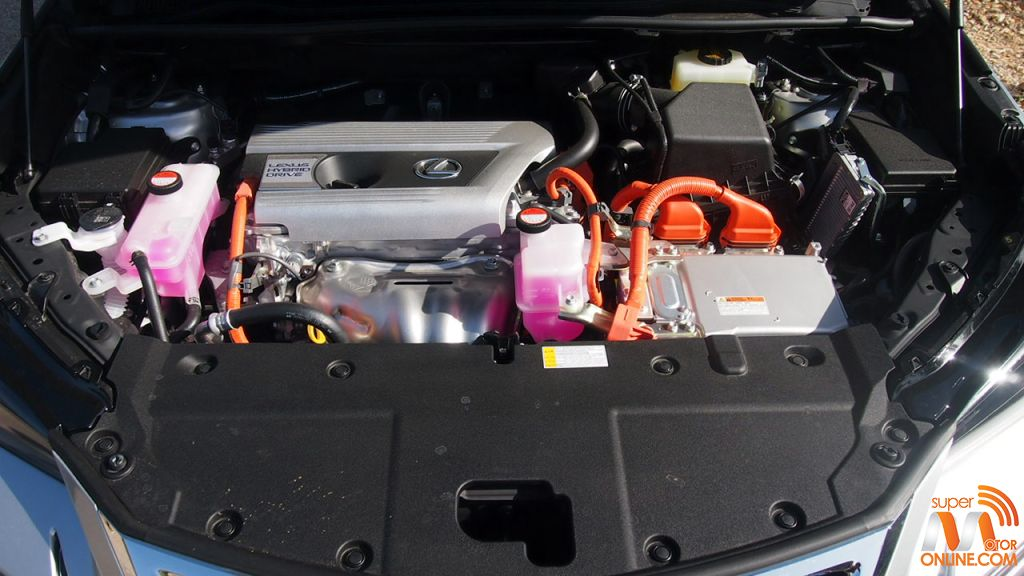 Al Volante del Lexus NX 300h 37-spm