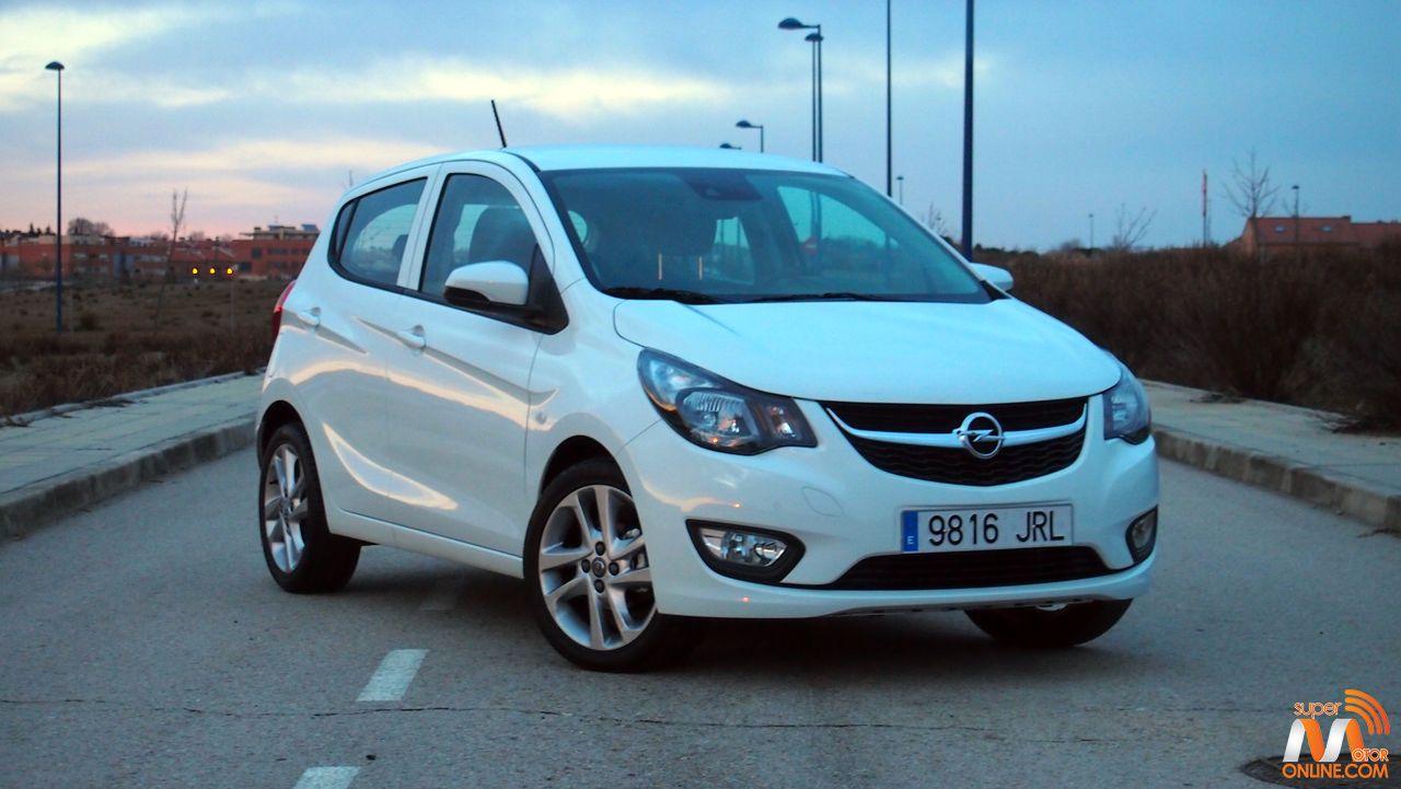 Al volante del Opel Karl 2016