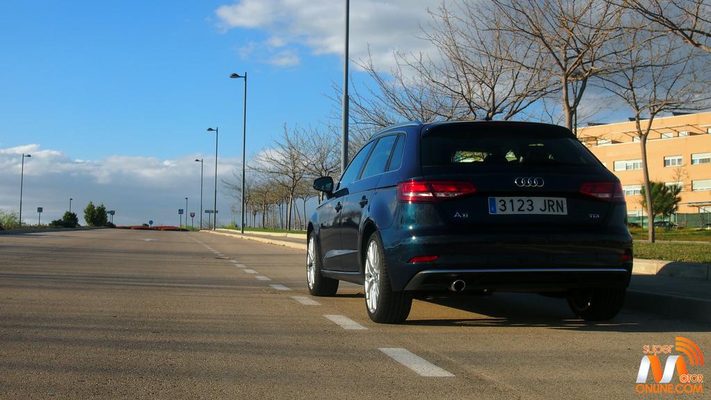 Al volante del Audi A3 Sportback 2017