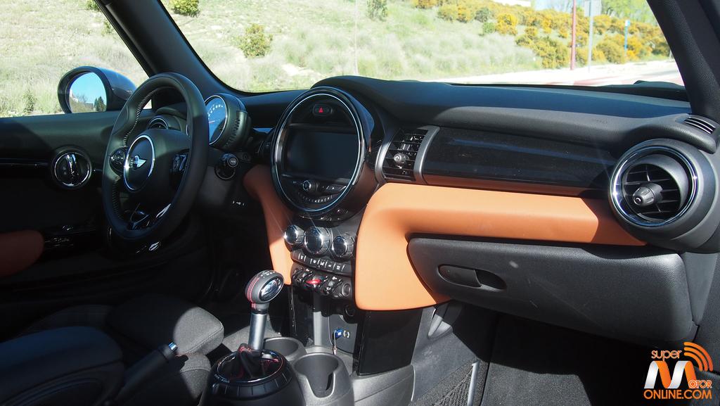 Al volante del Mini Cooper S Seven Edition 2017