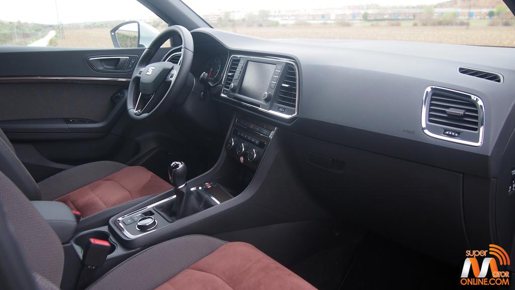Al volante del SEAT Ateca 2017